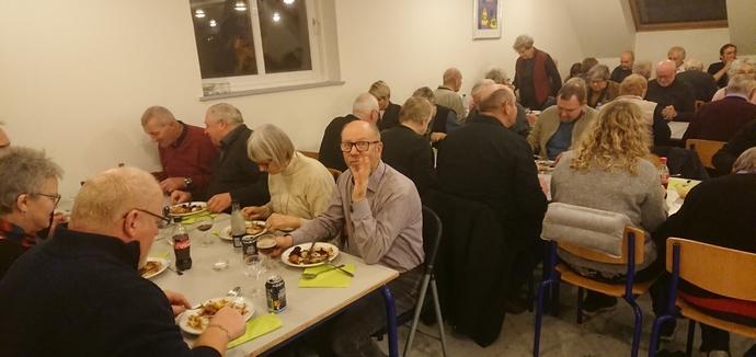 Fællesskab og fællesspisning til generalforsamling i Kvanløse Sogns Beboerforening februar 2020